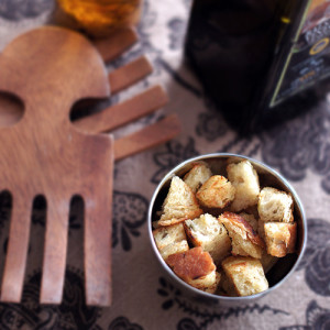 Homemade Garlic-Onion Croutons