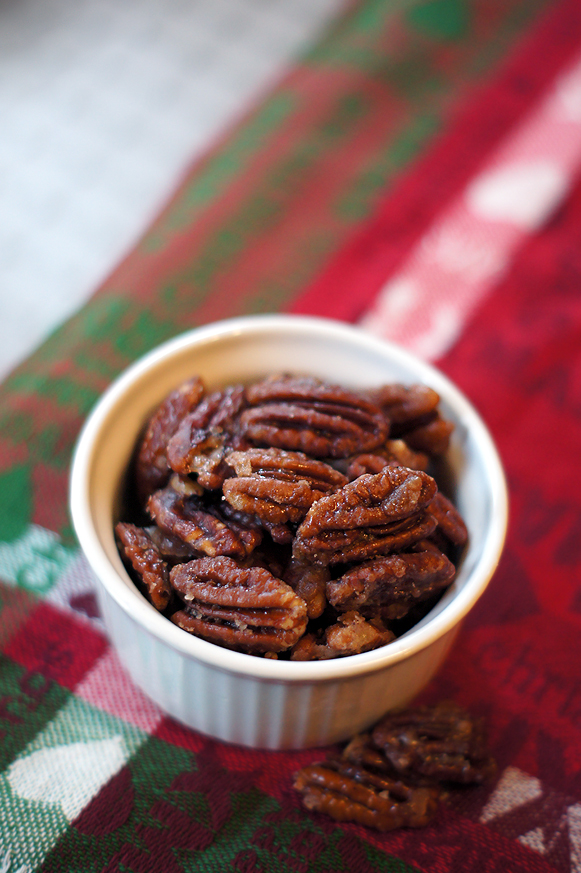 Toasted Spiced Rum Pecans -  Makes a great Christmas gift for neighbors!