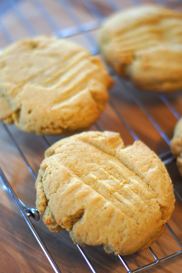 Soft Extra-Large Lemon Cookies