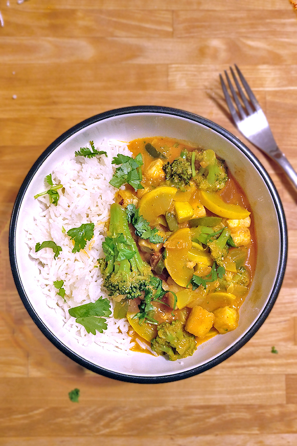 Quick and Easy Tofu Coconut Curry #vegan #vegetarian #easy