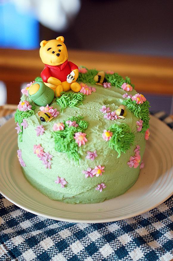 Pleasing Winnie The Pooh Birthday Cake Mayhem In The Kitchen Funny Birthday Cards Online Alyptdamsfinfo